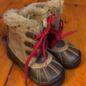 Baby gap winter boots toddler size 8 unisex